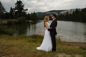 Tahoe Paradise Park weddings occur aside the water of Lake Baron